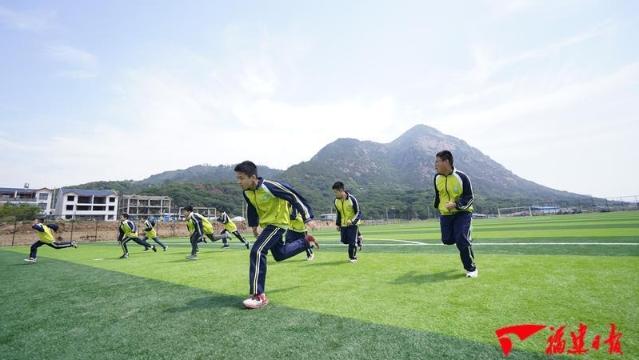 """霞浦:社会球场助力乡村少年实现""""足球梦"""""""
